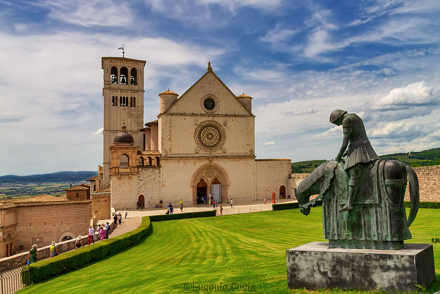 Assisi, città di Pace e Fratellanza. - Assisi, city of Peace and Brotherhood.