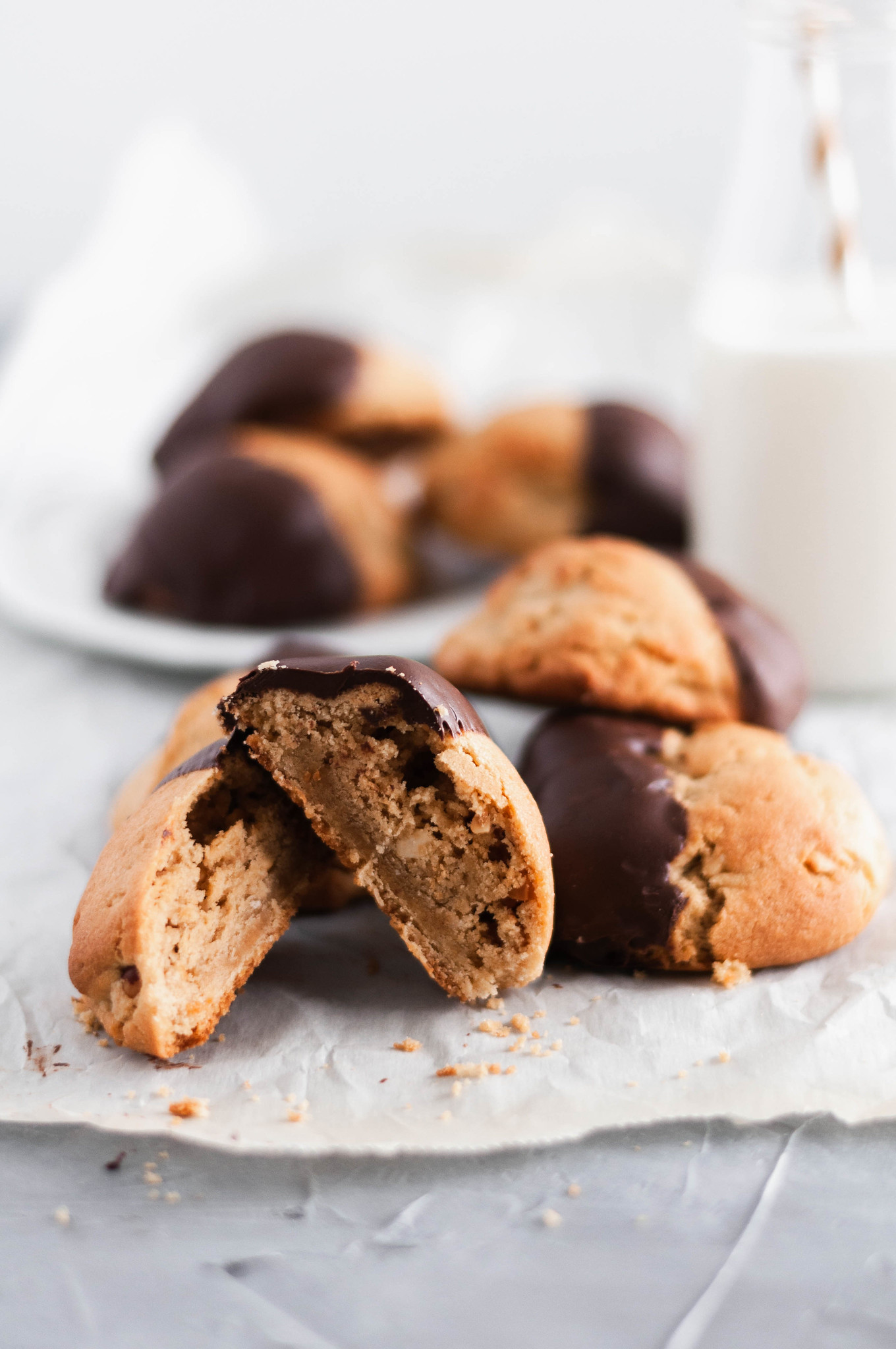 These giant Chocolate Peanut Butter Cookies are perfect for your Christmas cookie baking. Rich, chewy peanut butter cookies dipped in melted chocolate.