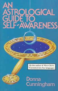 An Astrological Guide to Self-Awareness - Donna Cunningham