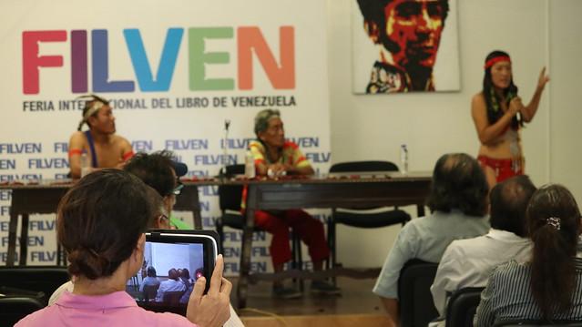 Conversatorio sobre la Abuela Kueka se realiza en el marco de la Filven 2019