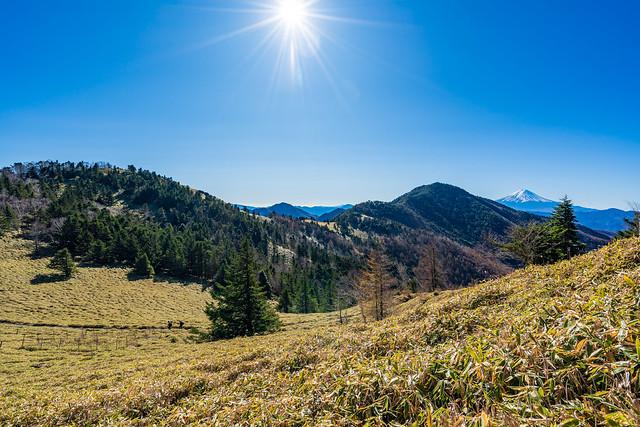 熊沢山へ登り返す途中で軽食