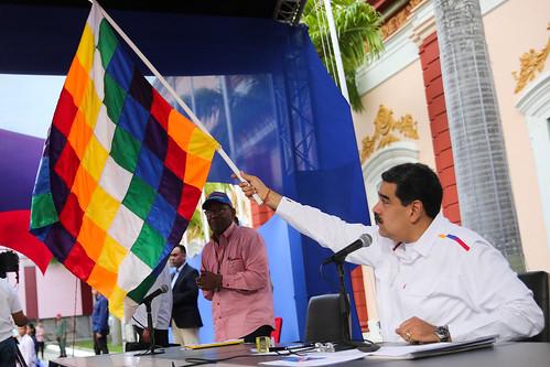 Presidente Maduro recibe movilización de los pueblos afrodescendientes