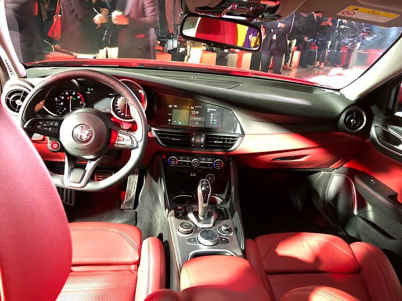 2020MY-Alfa-Romeo-Giulia-and-Stelvio-China-spec-17