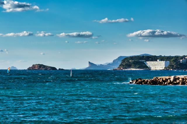 Le Bec de l'Aigle vu depuis l'Île de Bendor -3D0A6990
