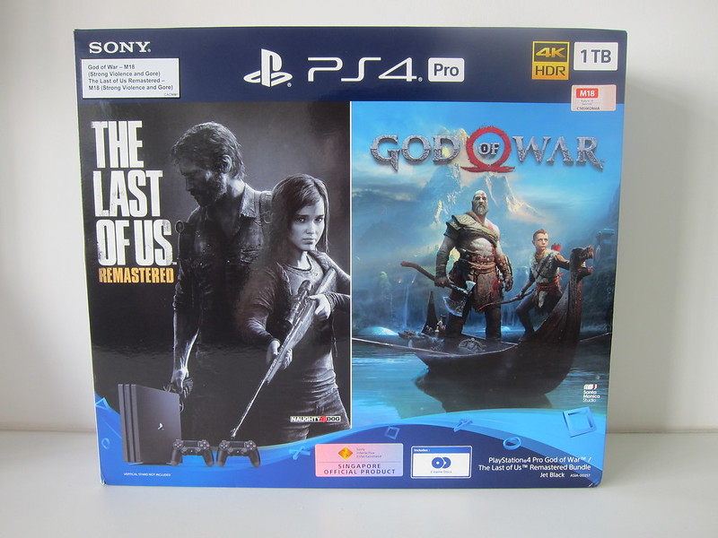 Sony PS4 Pro God of War / The Last of Us Remastered Bundle - Box Front