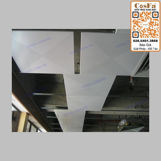 Trần nhôm Clip-In Tile Khung Xương Chìm 600×600-Công Trình