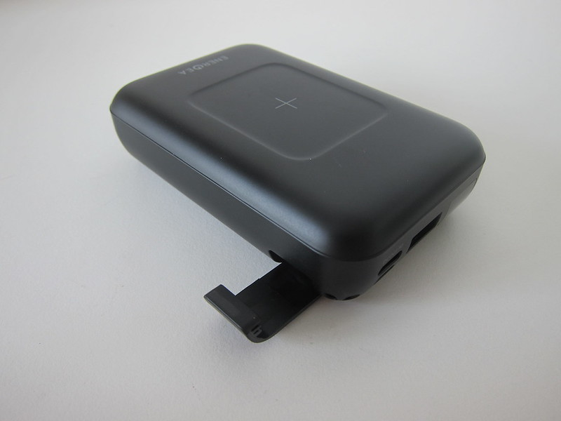 Energea ComPac Wireless PD - Kickstand