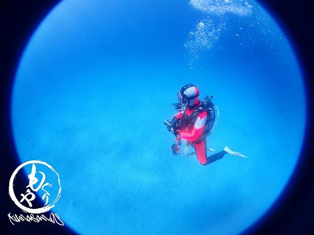 青い海にうっとり♡なHさん♪♪