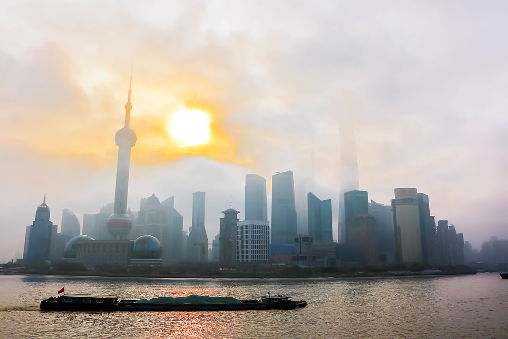 the-bund-shanghai-sunrise-alexisjetsets