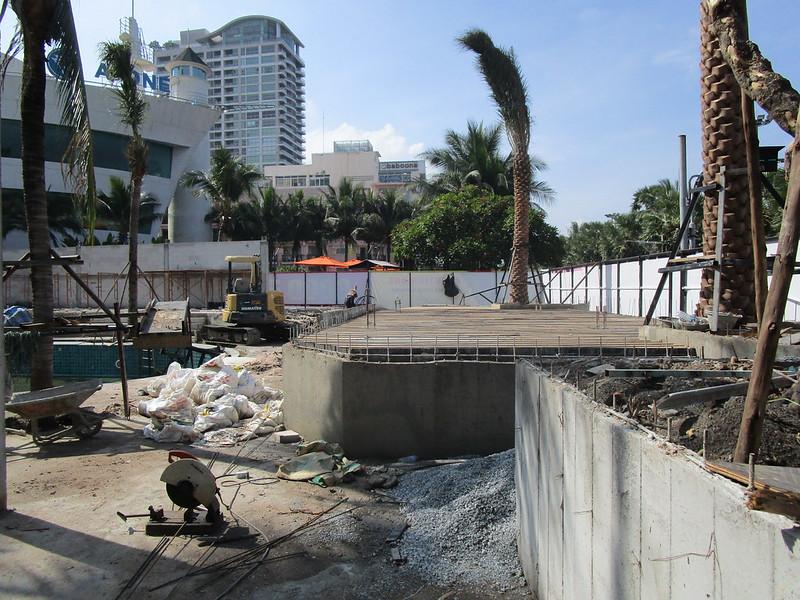 Fat Coco Beach Club construction