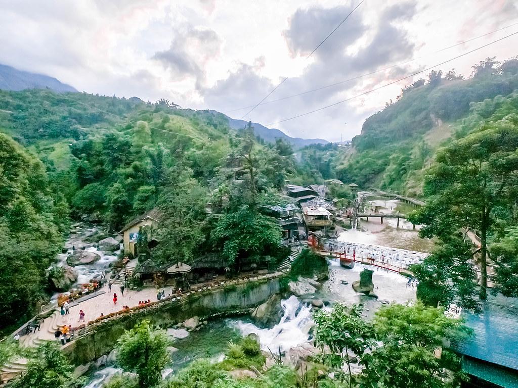 cat-cat-village-vietnam-alexisjetsets-6