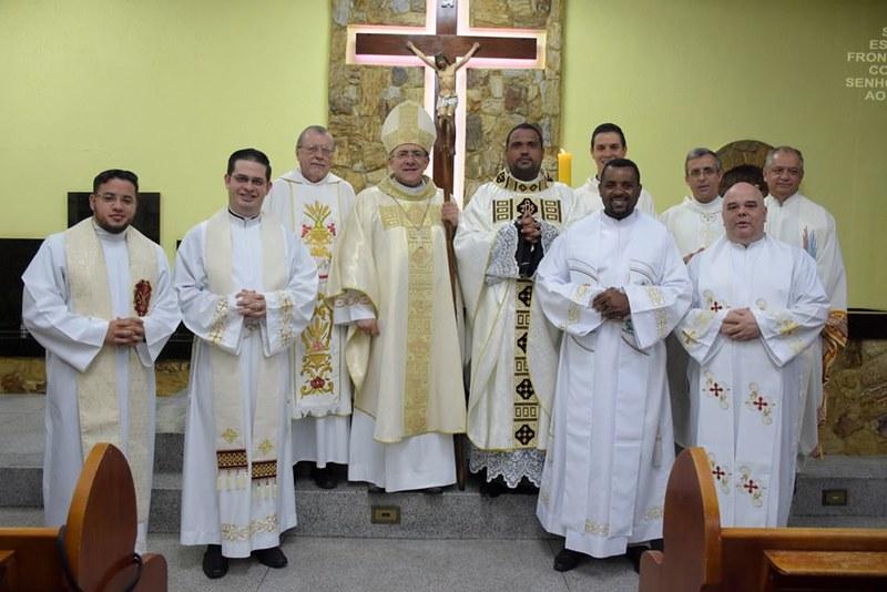 Pe. Tiago Ferraz assume a Paróquia Sagrada Família