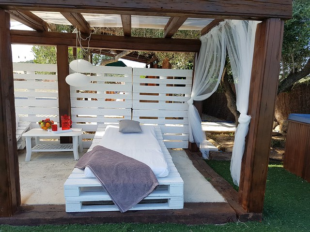 Zona chill out jardin detalle