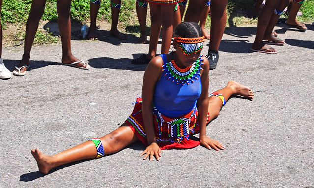 DSC_9168a Sbusi Zulu Umemulo Coming of Age Ceremony South African Zulu Cultural Singing and Dancing Umlazi Durban November 2019 The Splits