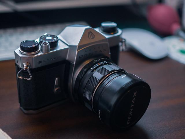 Super Takumar 50mm F1.4のIII期型というらしい。