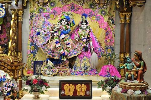 ISKCON London Deity Darshan 12 Nov 2019