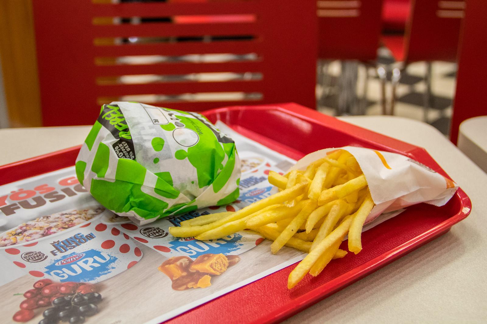 A Burger Kint új műburgere kellemetlen kezdés után közepesen szarrá javult