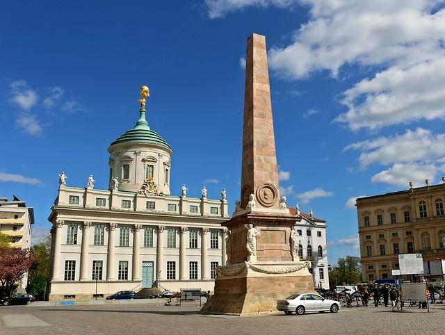 Obelisk am alten Rathaus Potsdam