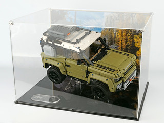 Review: Wicked Brick display case for Technic Land Rover