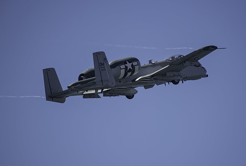 A-10 Thunderbolt II Climbing