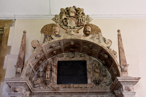 Wickham, Hampshire, St. Nicolas's church, monument to Wm. Uvedale †1615, top section,