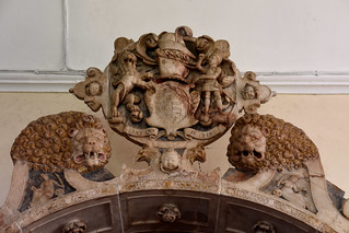 Wickham, Hampshire, St. Nicolas's church, monument to Wm. Uvedale †1615, top section, detail