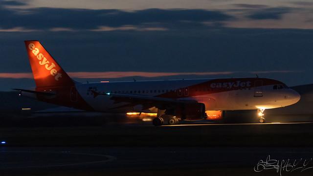 easyJet Europe Airbus A320-214 OE-IJP