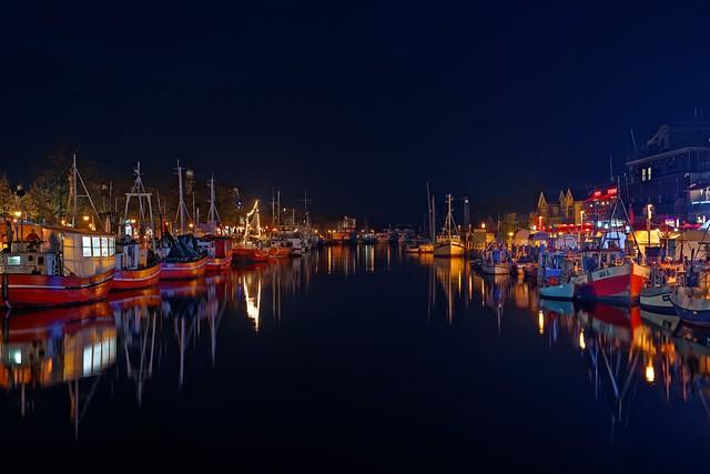 Blue Port   Harbor Lights