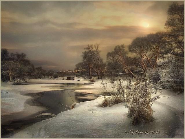 Winter evening on Protva. (IPhoneX)
