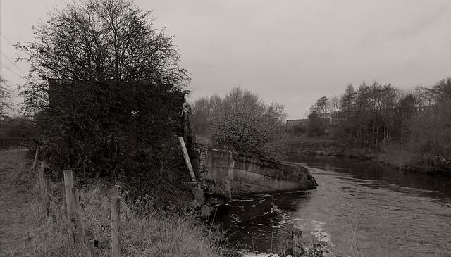 A river runs through it.......