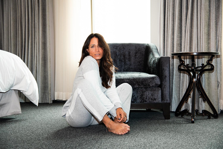camille dg pyjama gris loews hôtel vogue