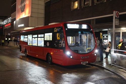 London General WS141 on Route 232, Brent Cross