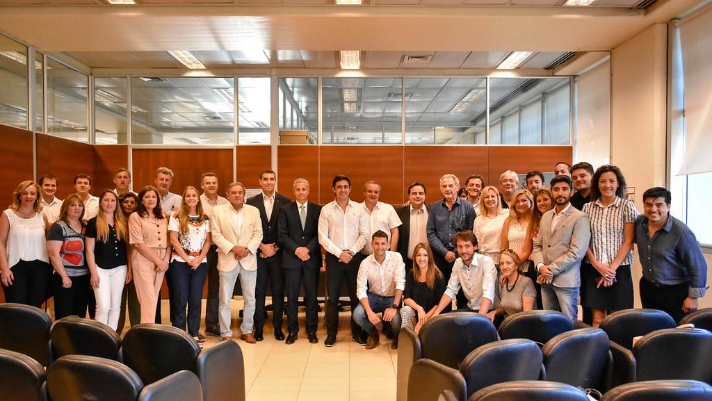 2019-11-13 GOBIERNO Firma de convenio entre empresarios y ONG´s de la Expo Solidaria 2019