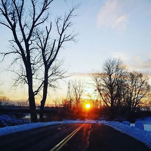 Winter sunrise (but it's still autumn) #sunrise #sky
