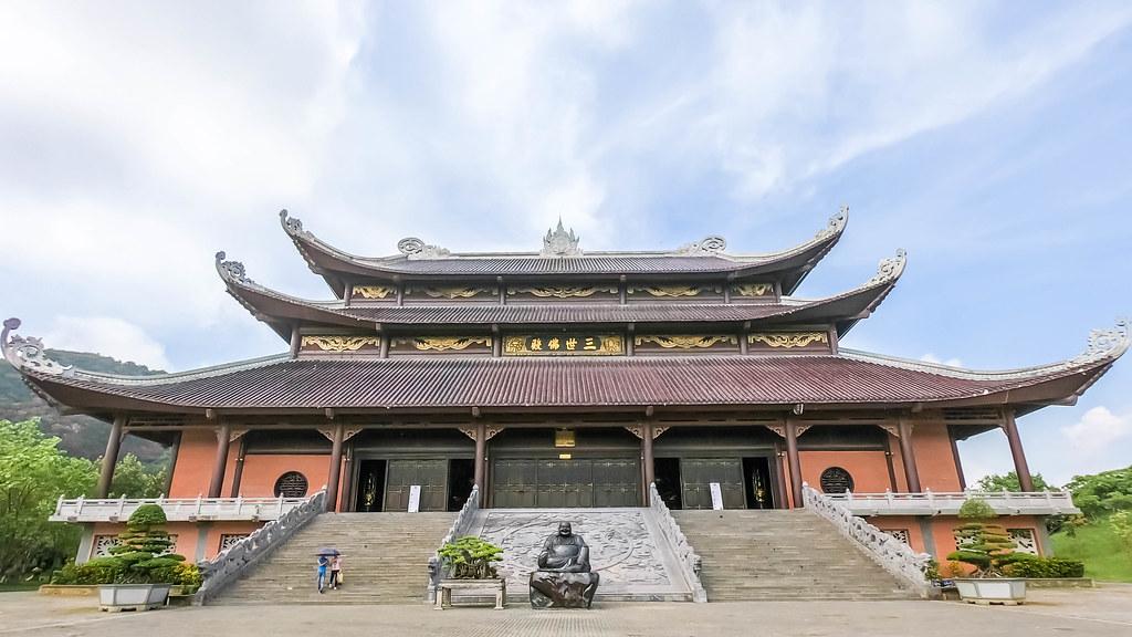 bai-dinh-pagoda-ninh-binh-vietnam-alexisjetsets-15