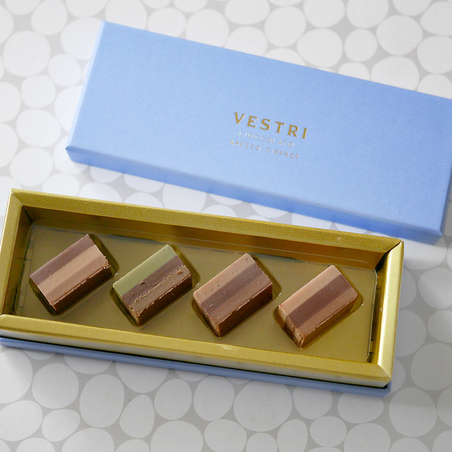 ヴェストリ VESTRI プラリネ クレミーノ ジャンドゥーヤ イタリア 高級チョコレート