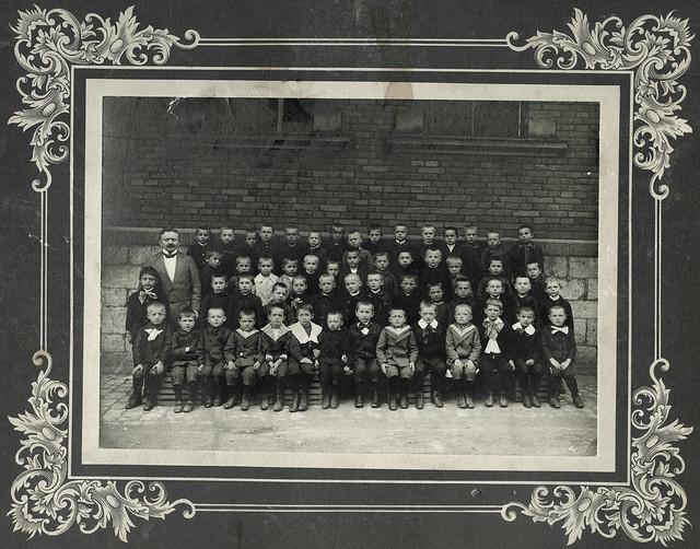 Archiv U416 Jungenklasse mit Lehrer, 1910er