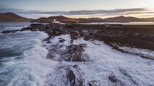 valentia island lighthouse kerry countykerry ireland wildatlanticway atlantic ocean rocks sea waves sun sunrise irish lights