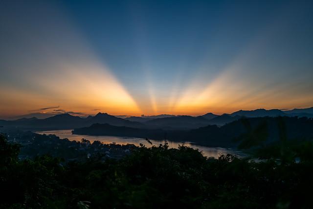 Sunlight Crown on the Mekong (Luang Prabang, Laos. Gustavo Thomas © 2019)