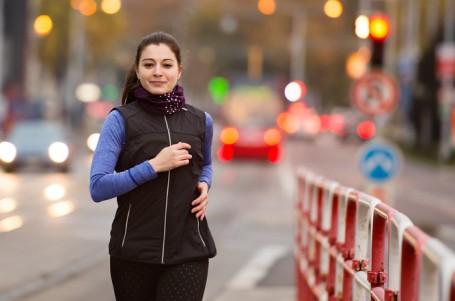 TEST: Která vesta nejlépe odolá nepohodě na jaře a na podzim?
