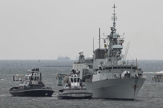HMCS Ottawa & Tugs