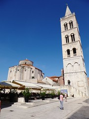 Zadar (Croacia). Torre de la catedral e iglesia de San Donato
