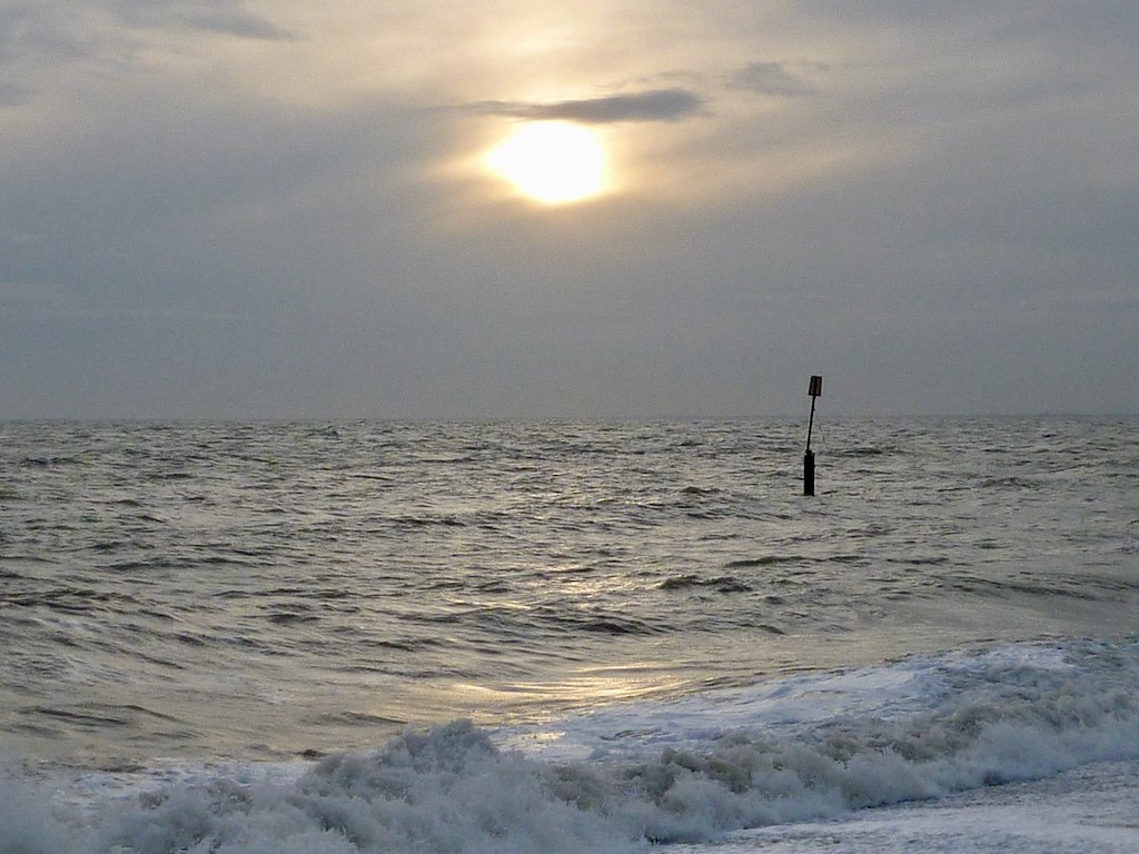 Moody sea, Sandgate Sandling to Folkestone walk