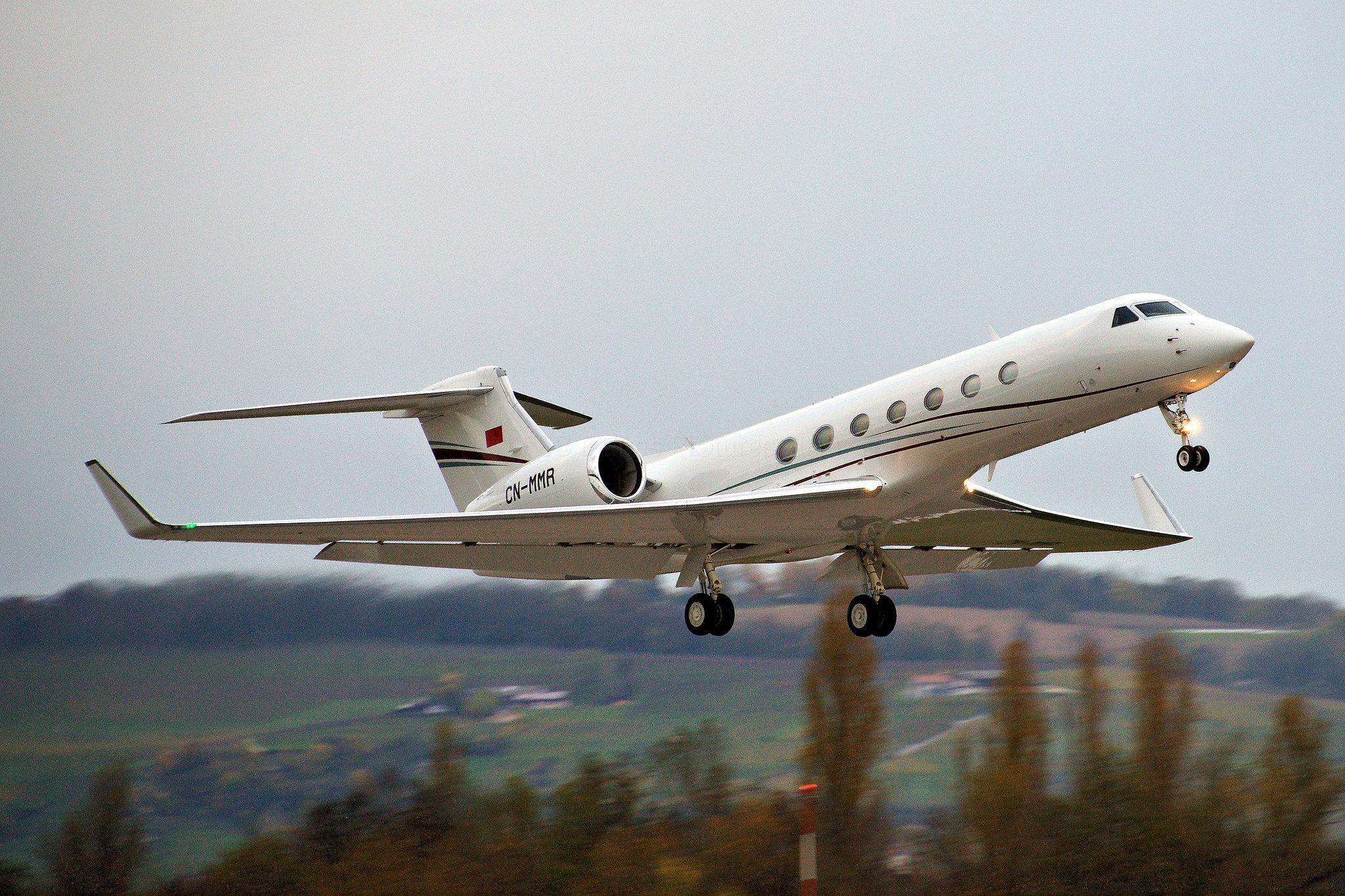 FRA: Avions VIP, Liaison & ECM - Page 23 49064781671_1705e99f6f_k