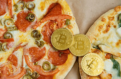 Bitcoin-Pizza-Day-cryptoemotions-780x507