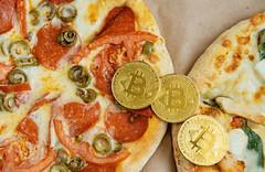 Bitcoin-Pizza-Day-cryptoemotions-780x507