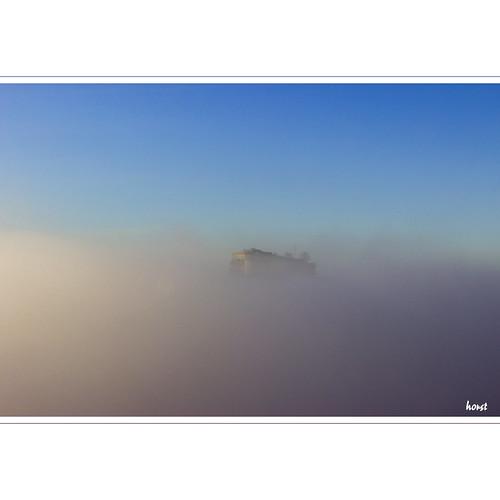 mist fog nebel brouillard castle fall herbst chateau fortress burg forteresse festung schwäbischealb württemberg swabianalps hohenneuffen neuffen albtrauf jurasouabe autumn automne horstmall view vista aussicht