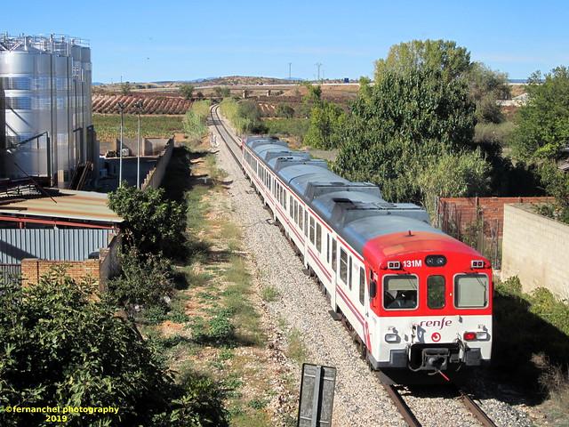 Tren de Cercanías de Renfe (Línea C-3) a su paso por SAN ANTONIO DE REQUENA (Valencia)