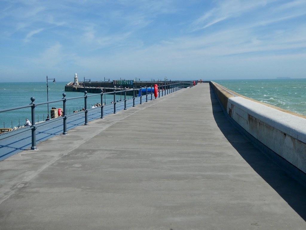 Folkestone Harbour Arm Sandling to Folkestone walk