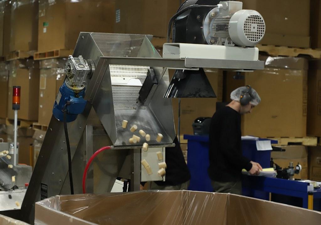 """2019-11-14 PRENSA: Visita y Recorrida por las Obras de Remodelación de la  Fábrica de Corcho  Sintético para Vino """"Vinventions Argentina SRL"""""""